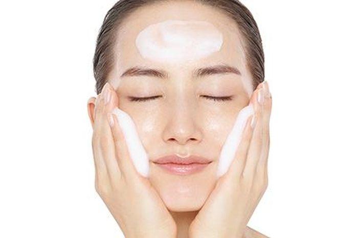 Facial wash untuk kulit sehat alami