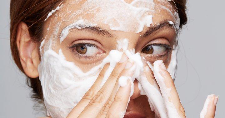 solusi membersihakan wajah agar terbebas dari masalah