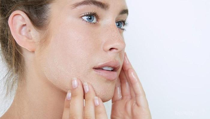 Cara merawat kulit sensitif dengan skincare alami